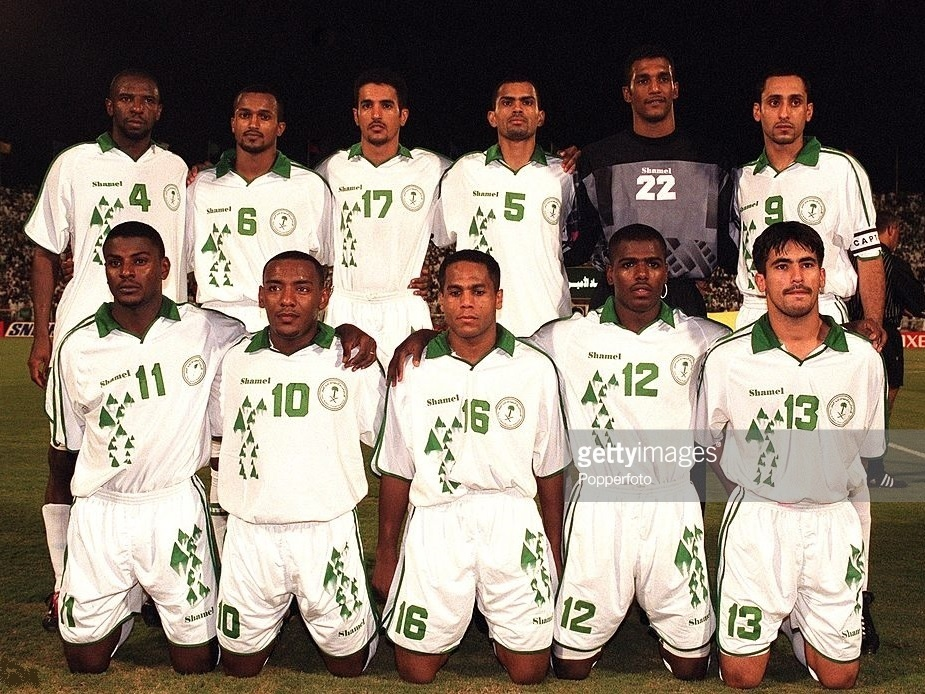 Saudi-Arabia-2001-Shamel-home-kit-white-white-white-line-up.jpg