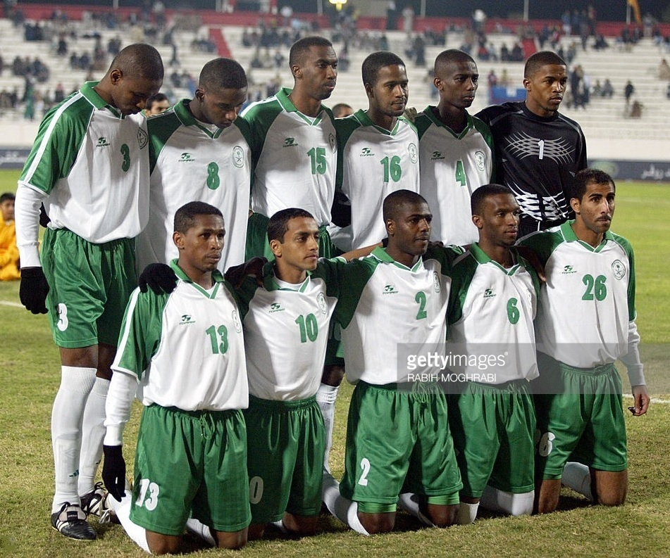 Saudi-Arabia-2003-Topper-gulf-cup-home-kit-white-green-white-line-up.jpg