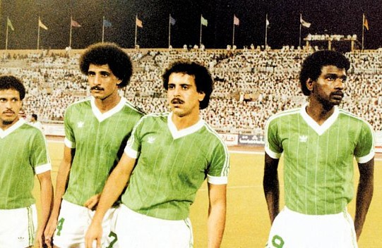 Saudi-Arabia-84-adidas-away-kit-green-white-green.jpg
