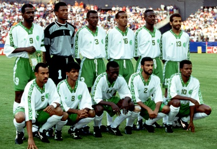 Saudi-Arabia-94-Shamel-home-kit-white-green-white-line-up-2.jpg