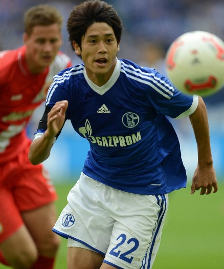 Schalke-04-12-13-adidas-first-kit-blue-white-blue.jpg