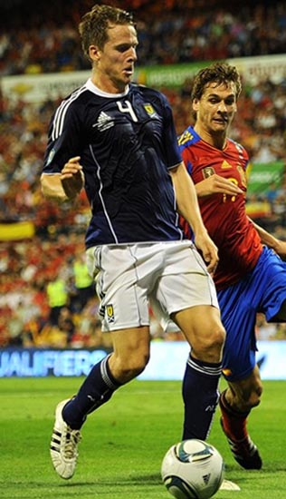Scotland-10-11-adidas-home-kit-navy-white-navy.JPG