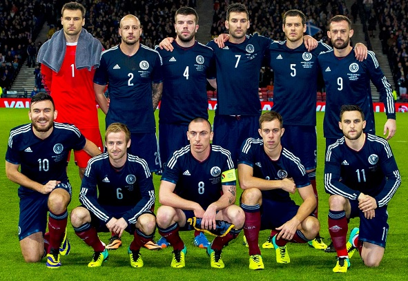 Scotland-2014-adidas-home-kit-navy-navy-dark-red-group-photo.jpg