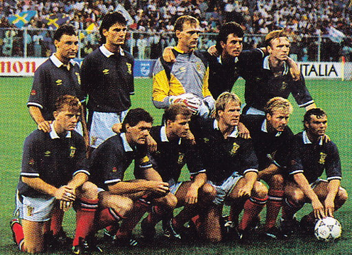 Scotland-90-UMBRO-home-kit-navy-white-red-line-up.jpg