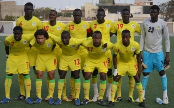 Senegal-10-11-PUMA-away-kit-yellow-yellow-yellow-line-up.jpg