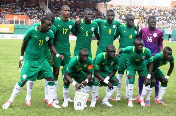 Senegal-12-13-Le coq-away-kit-green-green-white-line-up.jpg
