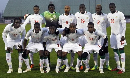 Senegal-12-PUMA-away-kit-white-white-white-line-up.jpg
