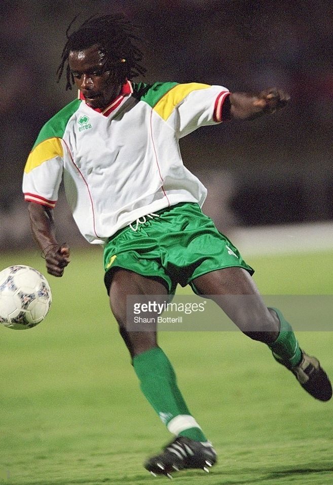 Senegal-2001-errea-home-kit-white-green-green.jpg