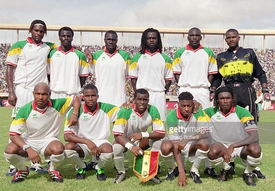 Senegal-2001-errea-home-kit-white-white-white-line-up.jpg