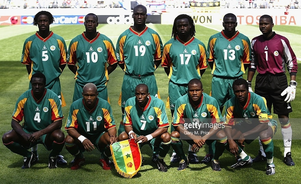 Senegal-2002-Le-coq-world-cup-away-kit-green-green-green-line-up.jpg