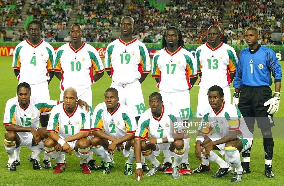 Senegal-2002-Le-coq-world-cup-home-kit-white-white-white-line-up.jpg
