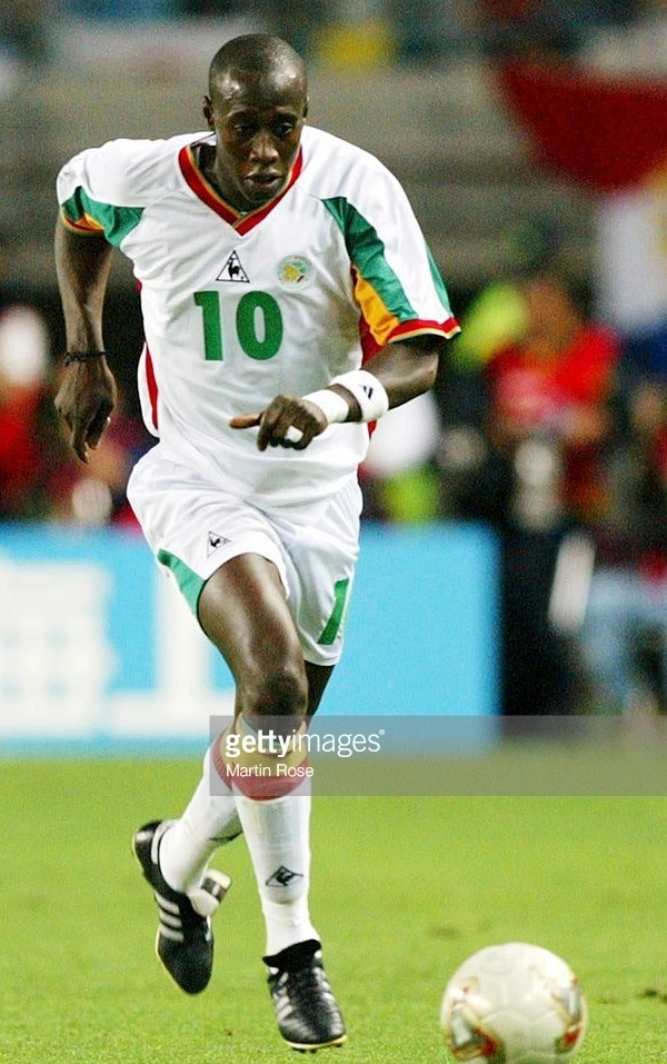 Senegal-2002-Le-coq-world-cup-home-kit-white-white-white.jpg