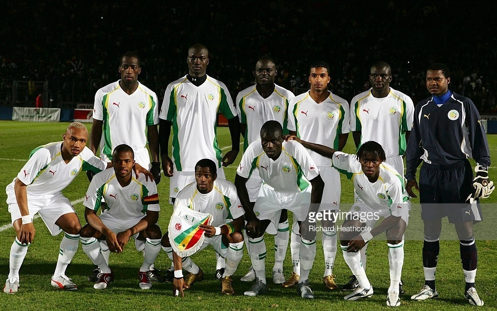 Senegal-2005-PUMA-home-kit-white-white-white-line-up.jpg