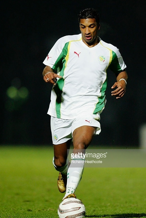 Senegal-2005-PUMA-home-kit-white-white-white.jpg