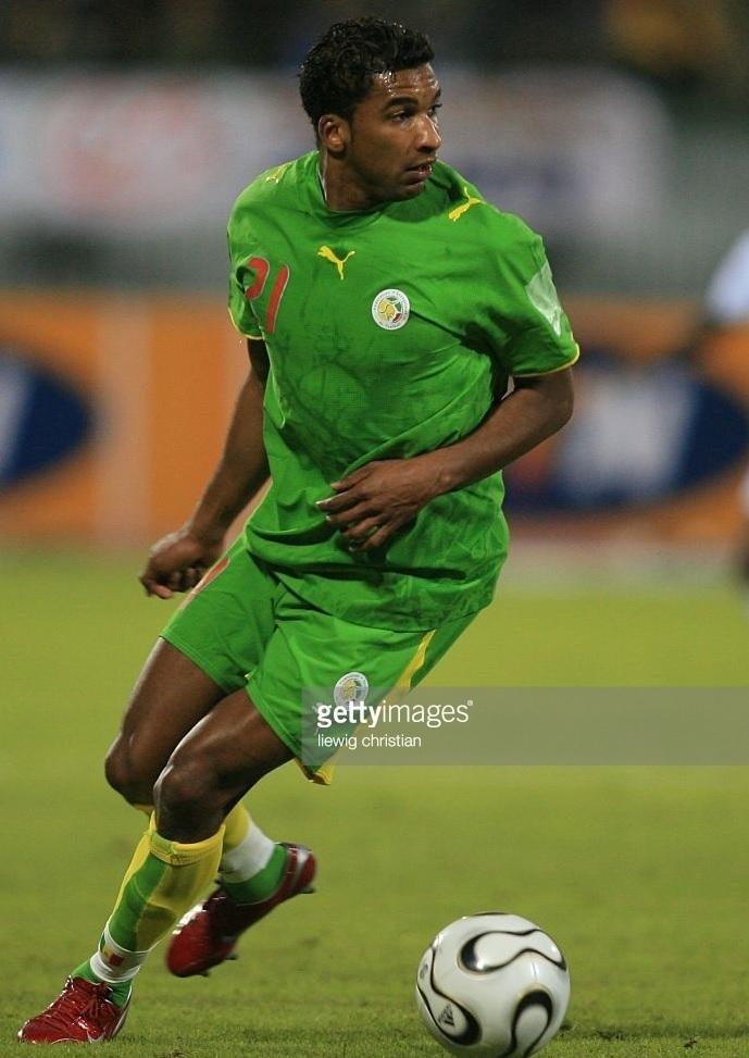 Senegal-2006-PUMA-away-kit-green-green-yellow.jpg