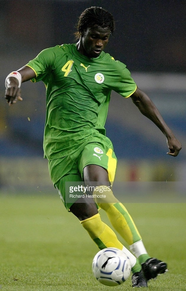 Senegal-2007-PUMA-away-kit-green-green-yellow.jpg