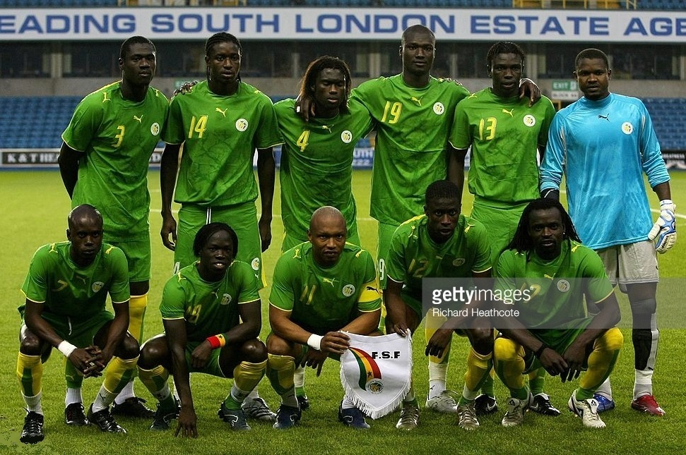 Senegal-2007-PUMA-away-kit-green-green-yellow-line-up.jpg
