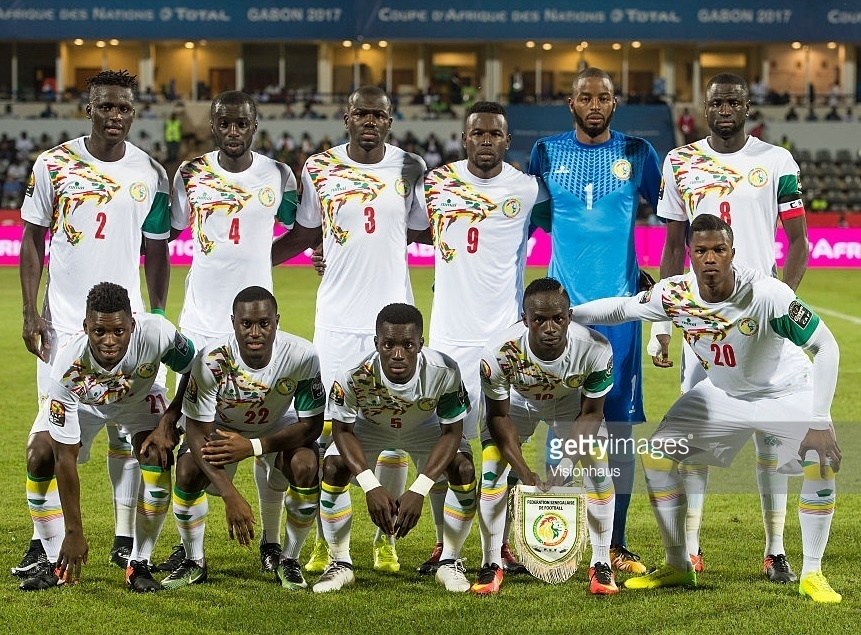 Senegal-2017-romai-home-kit-white-white-white-line-up.jpg