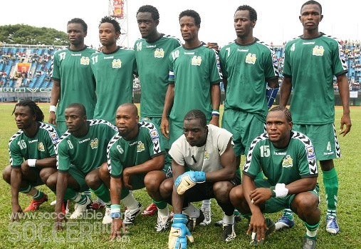 Sierra-Leone-08-hummel-away-kit-green-green-green-line-up.jpg