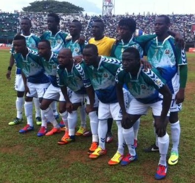 Sierra-Leone-10-hummel-home-kit-green-white-white-line-up.jpg