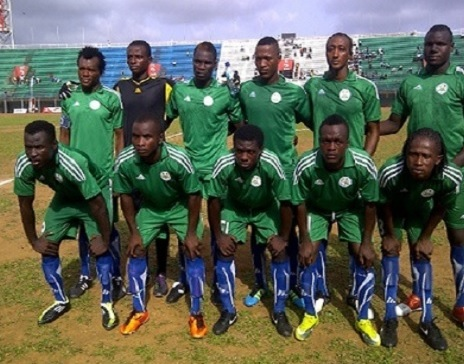 Sierra-Leone-12-13-adidas-away-kit-green-green-blue-line-up.jpg