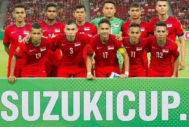 Singapore-14-15-NIKE-home-kit-red-red-red-line-up.jpg