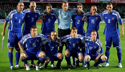 Slovakia-08-09-adidas-uniform-blue-blue-blue-group.JPG