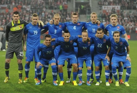 Slovakia-12-13-PUMA-home-kit-blue-blue-blue-line-up.jpg
