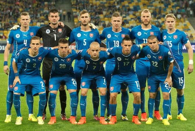 Slovakia-14-15-PUMA-away-kit-blue-blue-blue-line-up.jpg