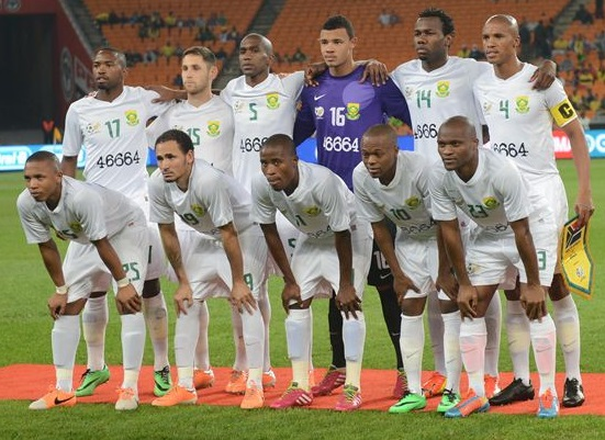 South-Africa-2014-NIKE-away-46664-kit-white-white-white-line-up.jpg