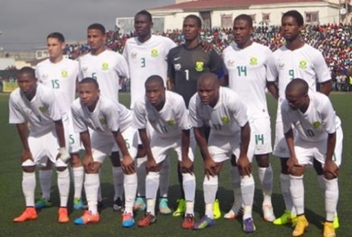South-Africa-2014-NIKE-away-kit-white-white-white-line-up.jpg