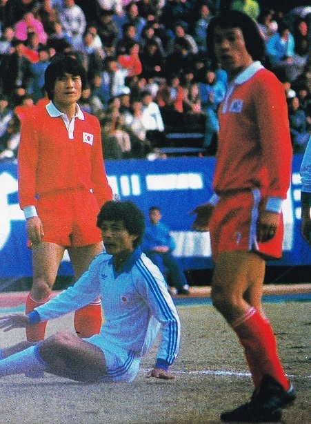 South-Korea-1983-home-kit-red-red-red.jpg