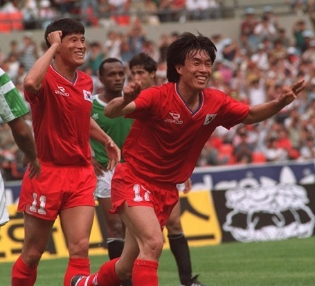 South-Korea-1991-Rapido-home-kit-red-red-red-21.jpg