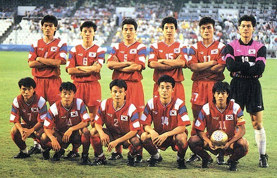 South-Korea-1992-Rapido-olympic-home-kit-red-red-red-line-up.jpg