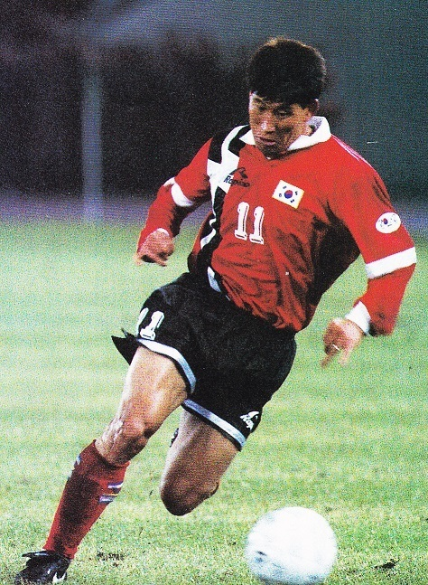South-Korea-1995-Rapido-home-kit-red-black-red.jpg