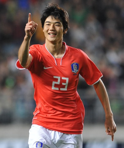 South-Korea-2014-Ki-Sung-Yong.jpg