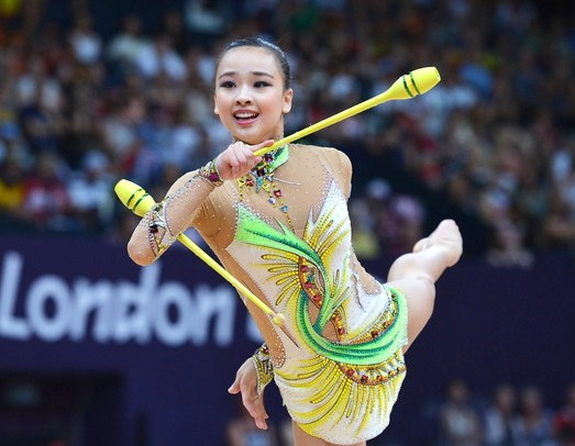 South-Korea-Rythmic-Gymnastics-Son-Yeon-Jae-1.jpg