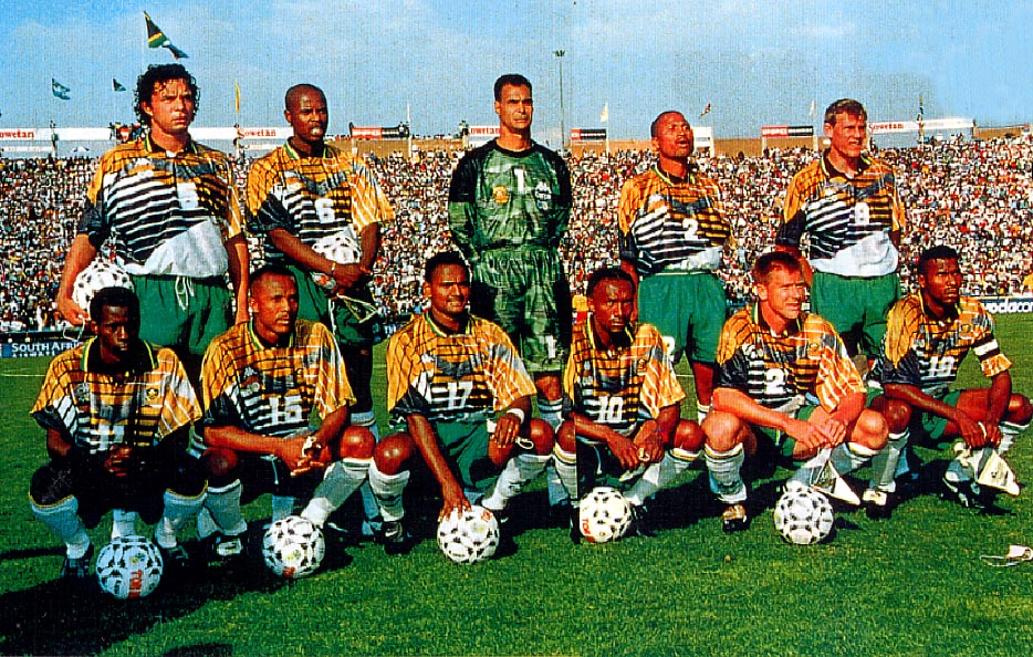 South Africa-96-97-KAPPA-uniform-yellow-green-white-pose.JPG