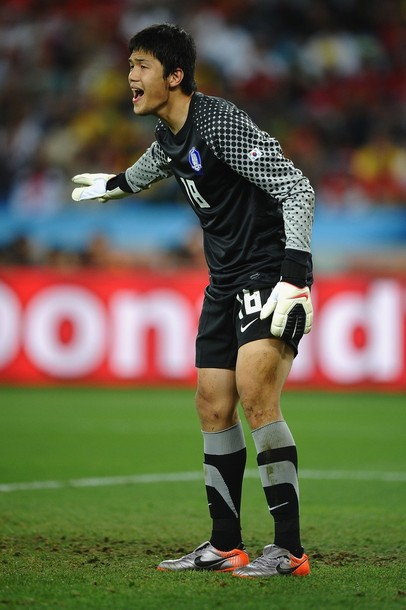 South Korea-10-11-NIKE-GK-kit-black-black-black.jpg