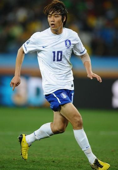 South Korea-10-NIKE-world cup-away-kit-white-blue-white.JPG