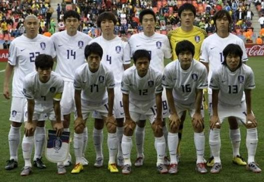 South Korea-10-NIKE-world cup-away-kit-white-white-white-line up.JPG
