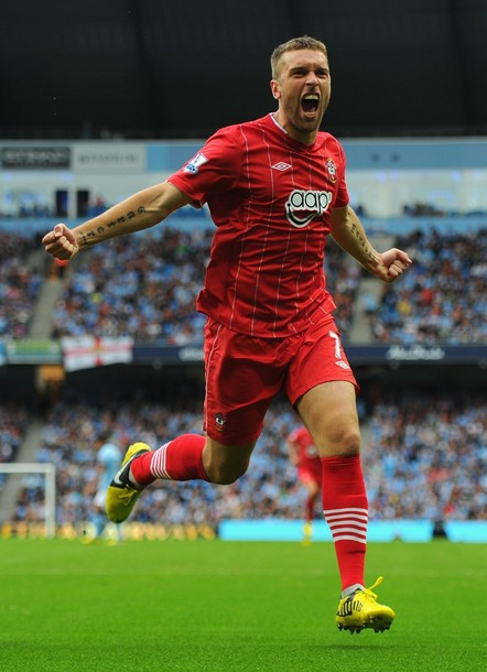 Southampton-12-13-UMBRO-first-kit-red-red-red.jpg