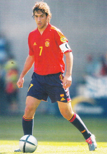Spain-04-05-adidas-home-kit-red-navy-navy.jpg
