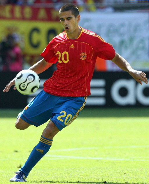Spain-06-07-adidas-home-kit-red-blue-blue.jpg
