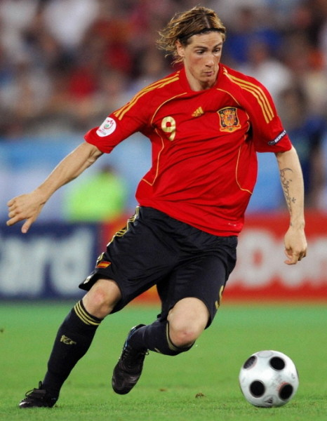 Spain-07-09-adidas-home-kit-red-navy-navy.jpg