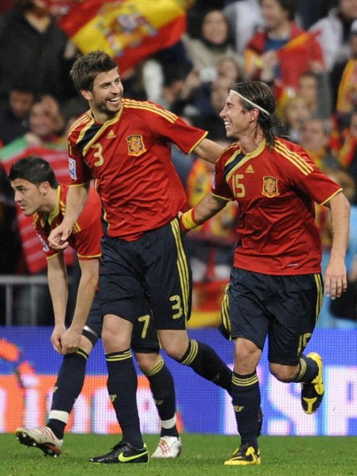 Spain-09-adidas-home-kit-red-navy-navy.jpg