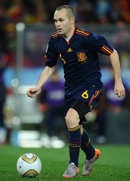 Spain-10-adidas-World Cup-kit-navy-navy-navy.JPG