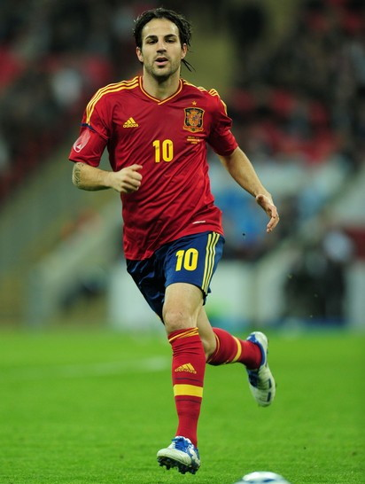 Spain-11-13-adidas-home-kit-red-navy-red.jpg