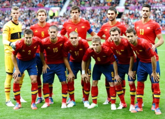 Spain-12-adidas-olympic-home-kit-red-navy-red-line-up.jpg