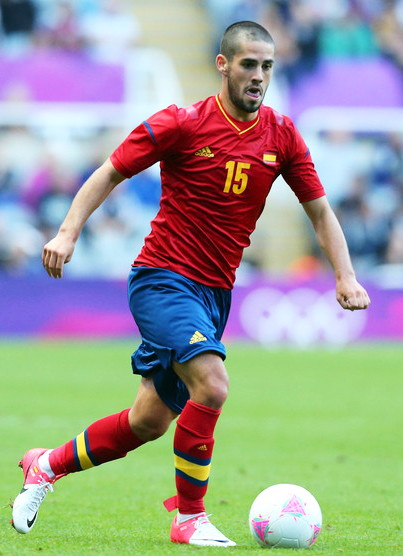 Spain-12-adidas-olympic-home-kit-red-navy-red.jpg